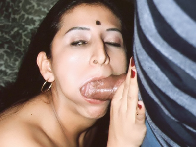 Kinky indian three way. Naughty Indian Gupet goes for a threesome and got her mouth and cunt simultaneously injected with dicks