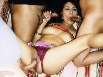 Wild indian dp. Indian whore Cavita goes for a wild orgy and experiences double penetration in this porn movie