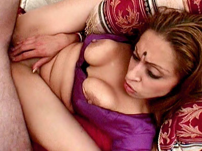 Hot indian pussy pounding. Hot Indian chick stuffing her pussy with cock